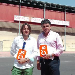 C's Almería propone usar el Juan Rojas como campo de rugby para ahorrar a la ciudad un millón de euros