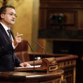 Diego Clemente atiende a todos los almerienses en la Oficina del Diputado para acercar el Congreso a los ciudadanos