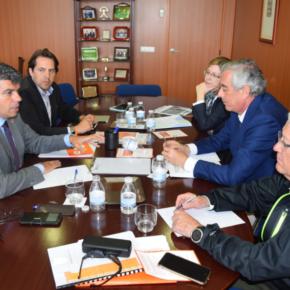 """Miguel Cazorla: """"La colaboración entre Ayuntamiento y Asempal para la creación de empleo y el desarrollo económico es prioritaria para la ciudad"""""""