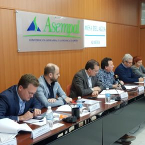 Ciudadanos y representantes Mesa del Agua Almería apuestan por un enfoque nacional en la gestión de los recursos hídricos