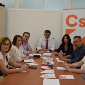 Cs Almería apoya a los trabajadores del campo y manipulado ante los problemas existentes para el cobro del desempleo