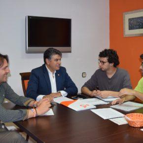 Cs Almería demanda al Consejo de Movilidad que atienda las reclamaciones de los universitarios sobre las líneas de autobús
