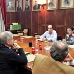 Ciudadanos apuesta por despolitizar la gestión sanitaria frente a cuatro décadas socialista metiendo la zarpa en ella