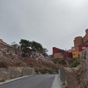 Cs denuncia vertederos junto a la Alcazaba y reclama un plan integral para combatir la degradación de La Chanca