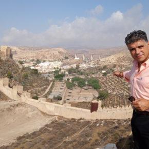 """Cazorla: """"Que llevemos más de 30 años para trasladar las gacelas desde la Hoya, liberando así esa zona junto a la Alcazaba, es otro ejemplo más de desidia crónica"""""""