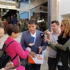 """Cs propone un plan de choque para revitalizar el comercio del centro de Almería ante el """"éxodo"""" continuo de negocios"""