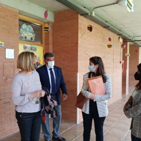 Cazorla (Cs) visita el CEIP Ginés Morata para conocer las necesidades del colegio